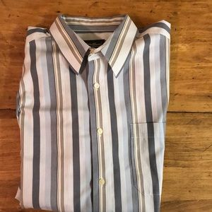 Men's Eddie Bauer button up dress shirt